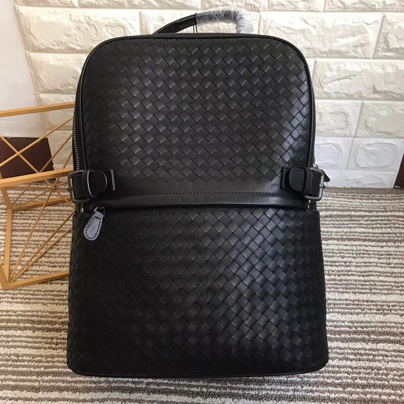 2019 hand knitted Mountaineering bags New pattern Backpack Male and female general purpose High quality cowhide