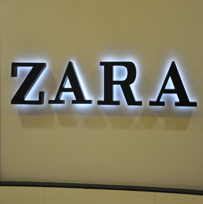 indoor custom 3D stainless steel halo lit LED letters signs