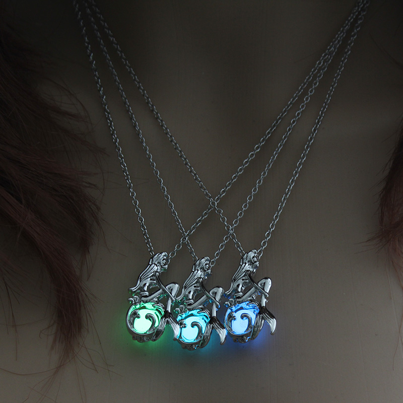 Charm Glowing Mermaid Pendant Necklace Luminous Jewelry Choker 3 Colors Gift For Women Silver Necklace Fashion Chain