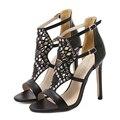 Sapatos sandálias 2017 das Mulheres rebites fivela sapatos de salto alto sandálias de verão Oco hot bohemian estilo nacional das mulheres da forma sandálias