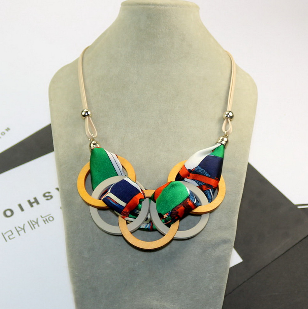Fashion Bohemian Circle Chunky Wood Fabric Pendant Necklace Jewelry Accessory for Women Girls 2019 Vintage Short Necklace Gold