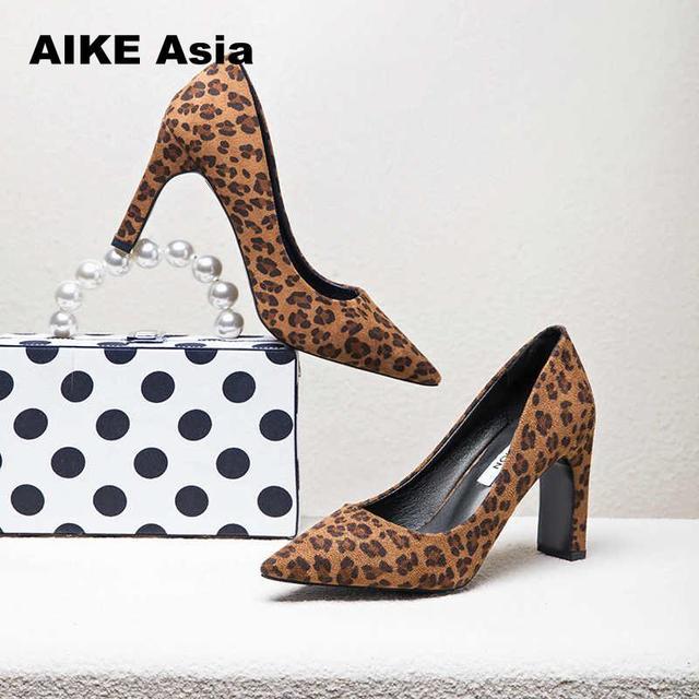 2019 Для женщин насосы Ремешок на щиколотке обувь на толстом каблуке квадратный носок каблуки платье работы удобные женские сандалии Zapatos De Mujer Leopard W6
