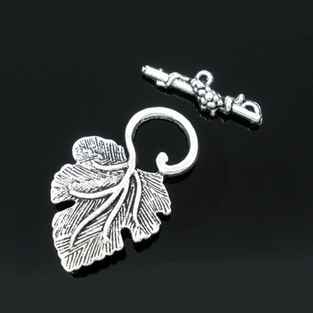 DoreenBeads Zinc Metal Alloy Toggle Clasps Leaf Antique Silver Leaf Pattern 37mm X23mm(1 4/8