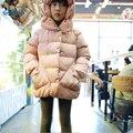 Dulces Niños Ropa de La Muchacha Con Capucha Abrigo de Invierno 2017 Nueva Moda Chaqueta de Invierno Los Niños de Algodón Gruesa Caliente Abrigos Acolchados Ropa T2818