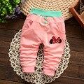 2016 Nueva Primavera Otoño bebé pantalones 4 de color patrón de estrella de algodón embroma los pantalones del bebé pantalones de las muchachas