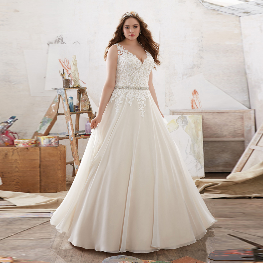 In Fashion Elegant V Neck Robe De Mariage With Crystal Beading Organza Plus Size 2018 Lace Appliques Mother Of The Bride Dresses