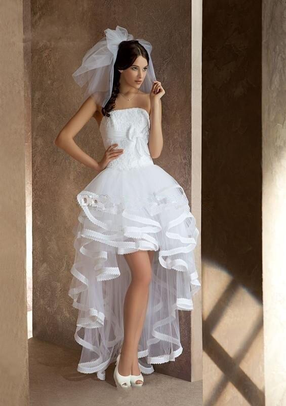 buy popular dd2d3 73e75 US $134.1 10% di SCONTO|Vestido de novia alto basso abiti da sposa aperto  indietro Senza spalline corto davanti lungo abiti da sposa bianco avorio ...