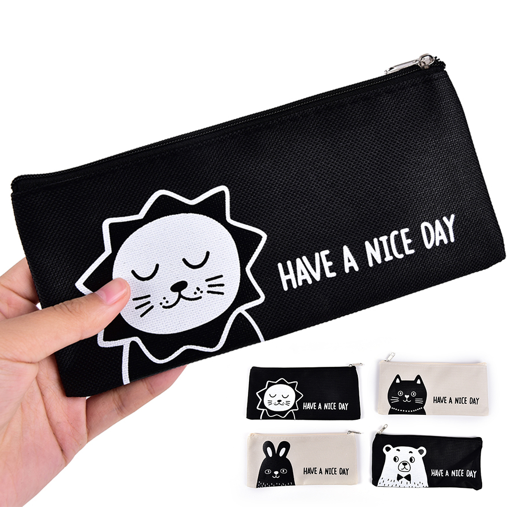 1PCS 18.5 Cm X 9cm Cute Animal Lion Contracted Cosmetic Bag Women Travel Make up Bag 4Styles lion check up gel