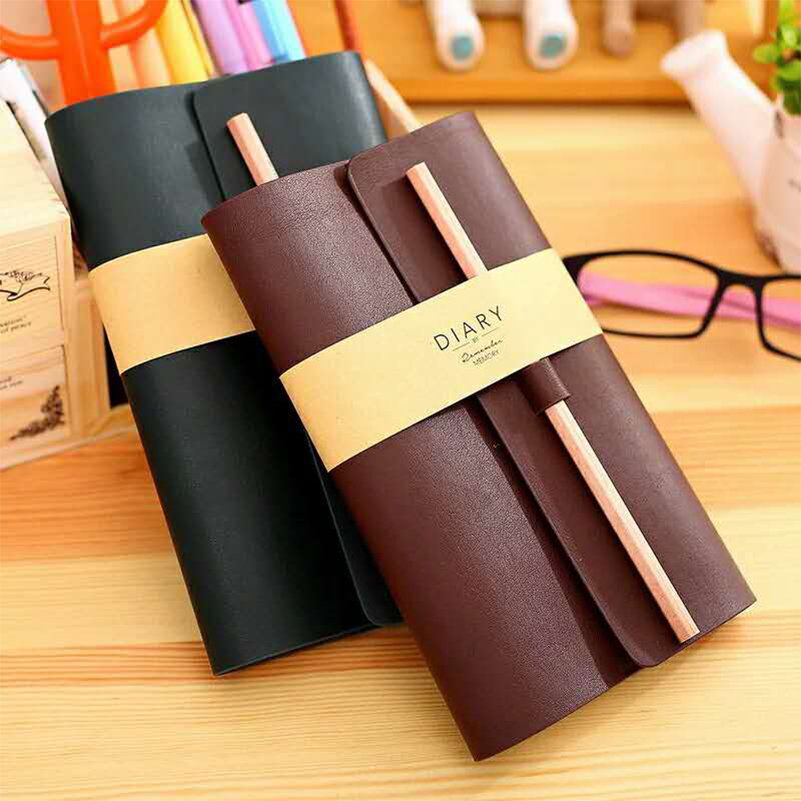 30K Leather Notebook,Refillable Journal,Business Writing Notebook Diary with Card Holder/Pen Loop, 180 Lined Beige Pages
