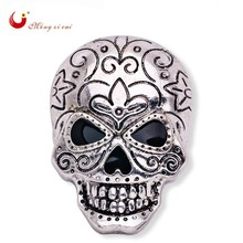 Exquisite Grimace Punk Carved Skull Delicate Jewelry Female Broach Homme Party Gold Silver Rhinestone Handkerchief Knot   X1518