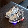 2017 primavera new light shoes com luzes led acender tênis asas de prata das crianças do sexo masculino e do sexo feminino running shoes brilhante-furtivo