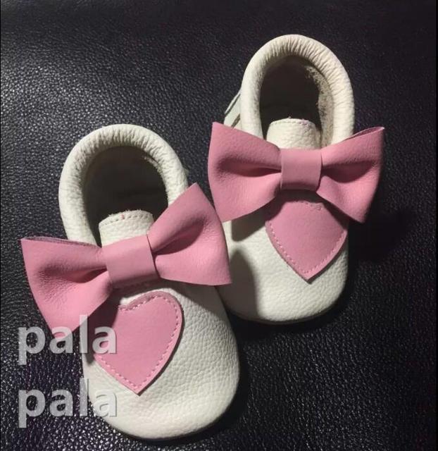 Новые Прибыл Розовая Бабочка-узел Натуральная кожа детские мокасины мягкой подошве Prewalker Впервые ботинки Ходока