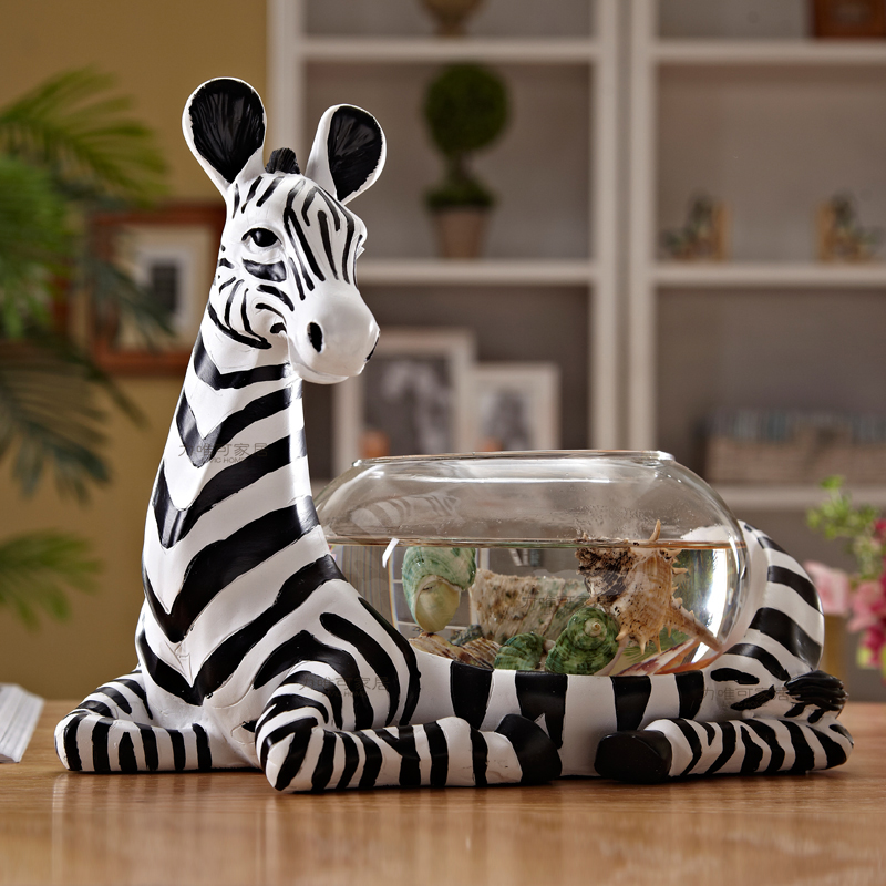 Creative zebra figurine small glass fish tank aquarium fish bowl desktop mini small turtle tank cylinder goldfish tank roundCreative zebra figurine small glass fish tank aquarium fish bowl desktop mini small turtle tank cylinder goldfish tank round