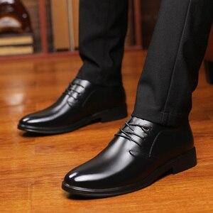 Image 5 - Zapatos de cuero de vaca de calidad para hombre, calzado de vestir suave, talla Extra 45, 46, 47, Punta abierta, 2020