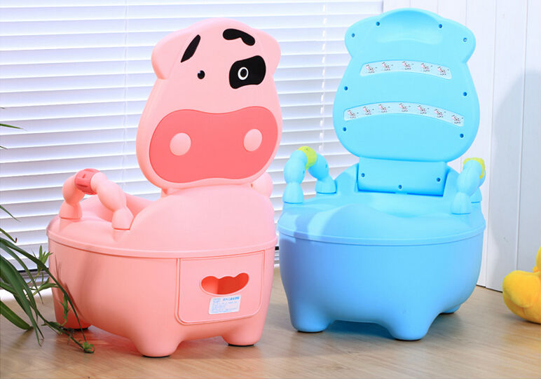 Plastic Cow Toilet Kids Cartoon Character Toilet Kids Travel Potty Chair Multifunctional Cute Cow Boys Urinal Toilet Potty