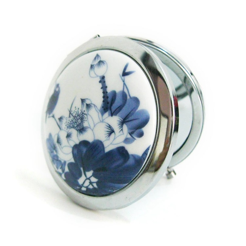 Makeup Mirror White and Blue Porcelain Pocket Mirror Compact Folded Portable Small Round Hand Mirror Makeup Vanity Metal espelho 5  Makeup Mirror White and Blue Porcelain Pocket Mirror Compact Folded Portable Small Round Hand Mirror Makeup Vanity Metal espelho HTB1eZVPNXXXXXaAapXXq6xXFXXXq