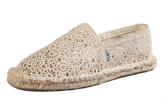 Hot Selling Women Lace Espadrilles Fashion Breathable Lace Flats For Women Ladies Slip-on Espadrilles Women Casual Flat Shoes