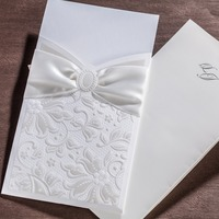 2016 Europe Classic Elegant White Wedding Invitations Cards With Flowers Embossed Ribbon Decorated Birthday Party Card