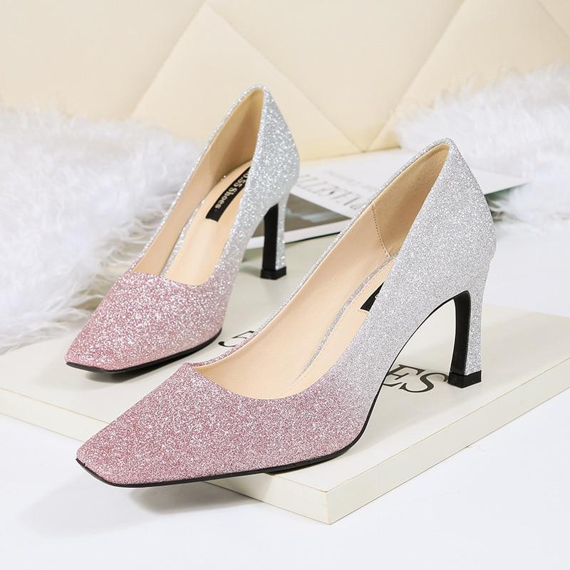 d6c52509e1db De Talons Chaussures Bout Gradient Parti pourpre Pompes Discothèque Mariage  Hauts Stilettos or Bling Luxe Carré Argent Femmes ...