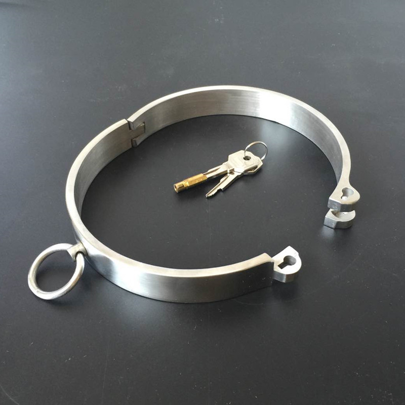 Brand new polished stainless steel collar large
