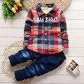 Ropa para niños 2017 nueva algodón invierno felpa plaid camiseta + pantalones traje 1 2 3 años de edad del bebé ropa