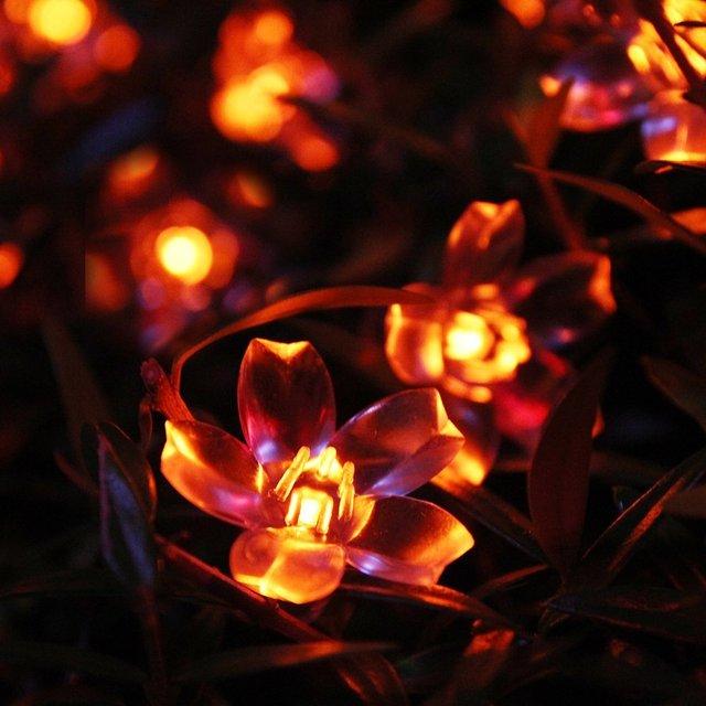 Red 50 LED Luces Solares Luces de la Secuencia Del Partido de La Lámpara Flor Decoraciones de Jardín de Flores Luces de Cadena Al Aire Libre