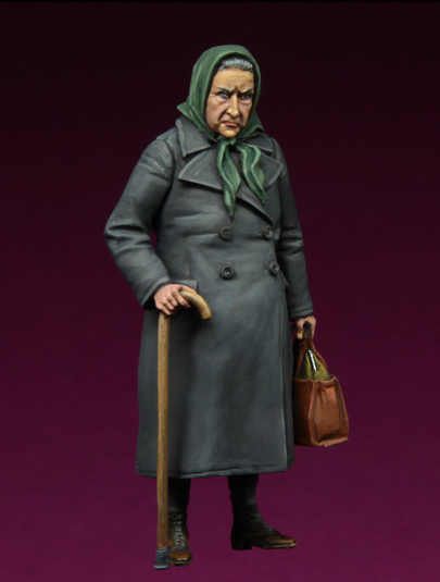 1//35 Resin Refugee Old Lady W//Base unpainted unassembled BL947