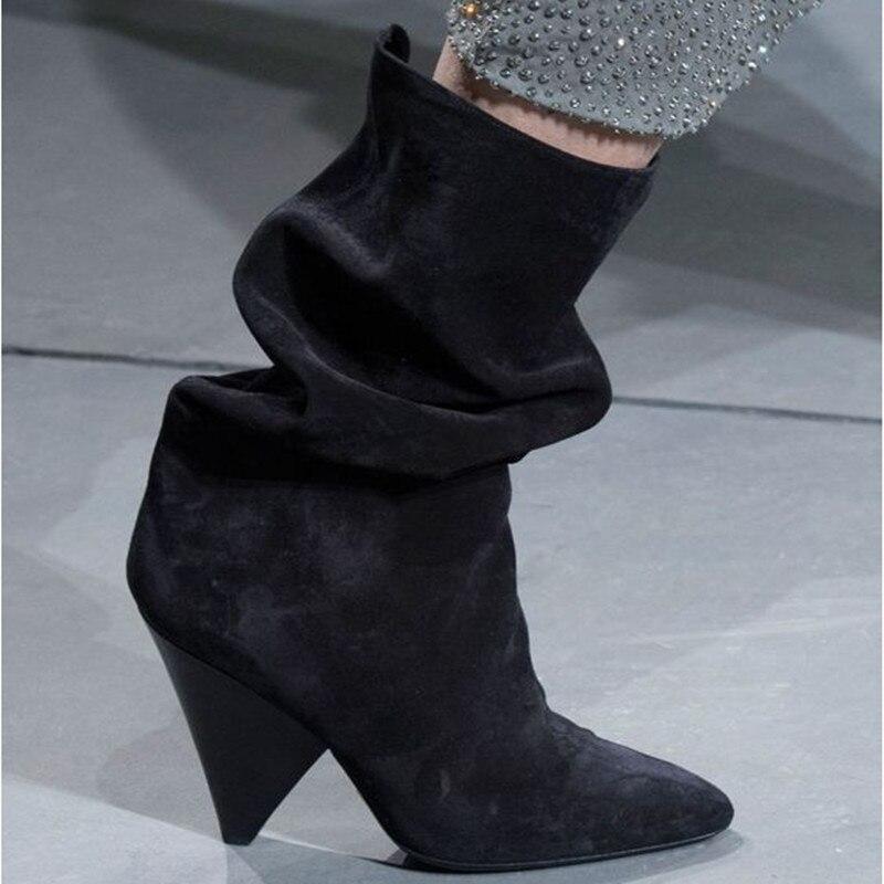 Зимние женские ботинки; женская обувь с острым носком на шпильках; модная однотонная обувь со складками из замши для подиума; пикантные боти... - 2
