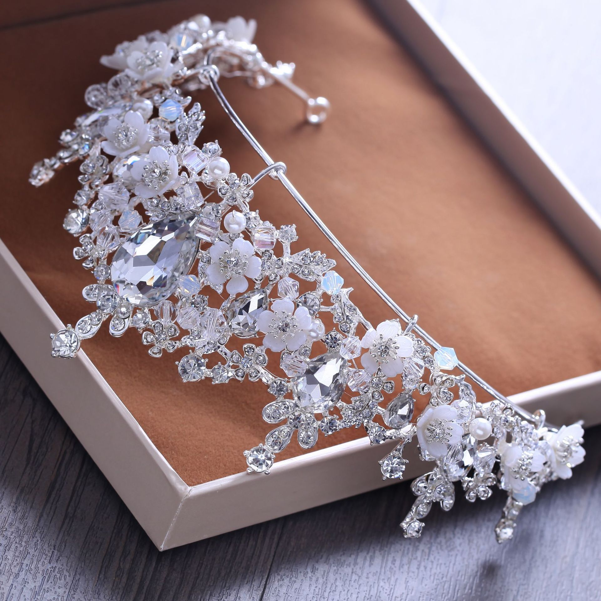 Buy wedding hair celebrity and get free shipping on AliExpress.com d3368920f8ad