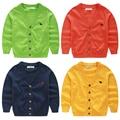 Детские свитера кардиган 2017 весной и осенью V-образным Вырезом мальчики кардиган 100% хлопок повседневная свитера ребенка с длинными рукавами топ