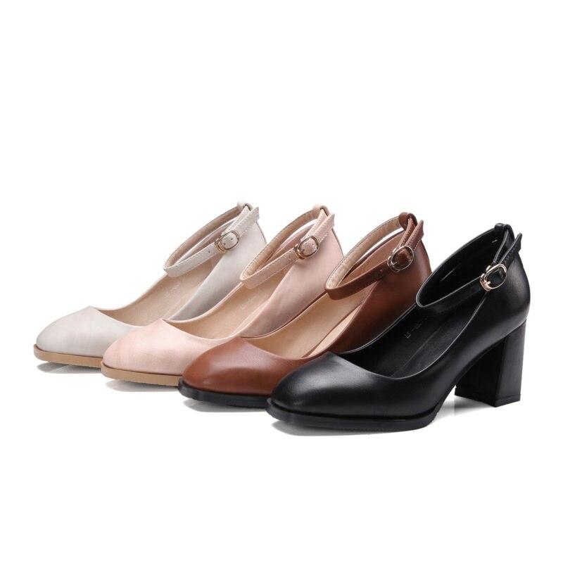dfbebae6799 Med zapatos de tacón 7 cm zapatos Cómodos mujeres femme chaussure tacones  altos zapatos Casuales Hebilla de Correa square toe mujer zapatos de fiesta  en ...
