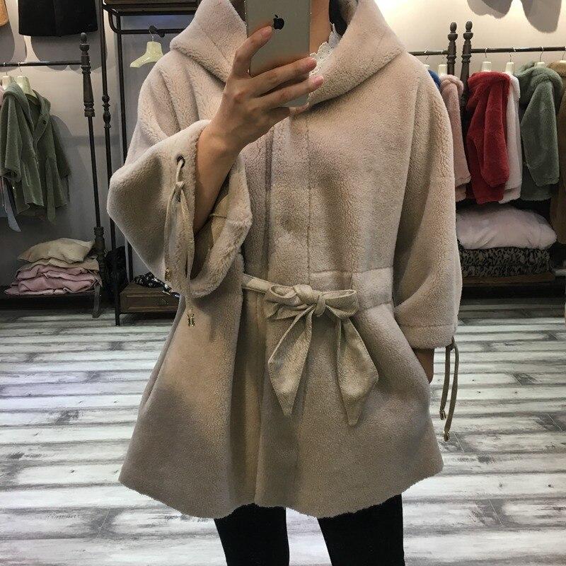 Donne cappotto di pelliccia reale tosatura delle pecore 2018 Caldi di Inverno Della Signora di Pecora Naturale Lana di Agnello giacca di Pelliccia Con Cappuccio e cintura Femminile panno di modo