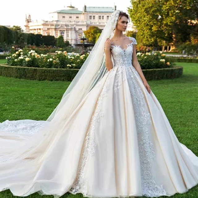 Vintage Vestidos Novias Boda Cap Mouw Luxe Baljurk Trouwjurk 2020 Met Sluier Robe De Mariee Princesse De Luxe gelinlik
