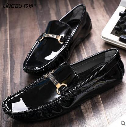 Здесь продается  Men Fashion Casual Sapatos Slip On Lazy Shoes 2018 Male Leather Smoking Shoes Slippers Black Patent Driving Mocassin Shoes  Обувь
