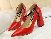 European and American retro women's shoes thick heels high heels shallow tip color word with single shoes high heels.