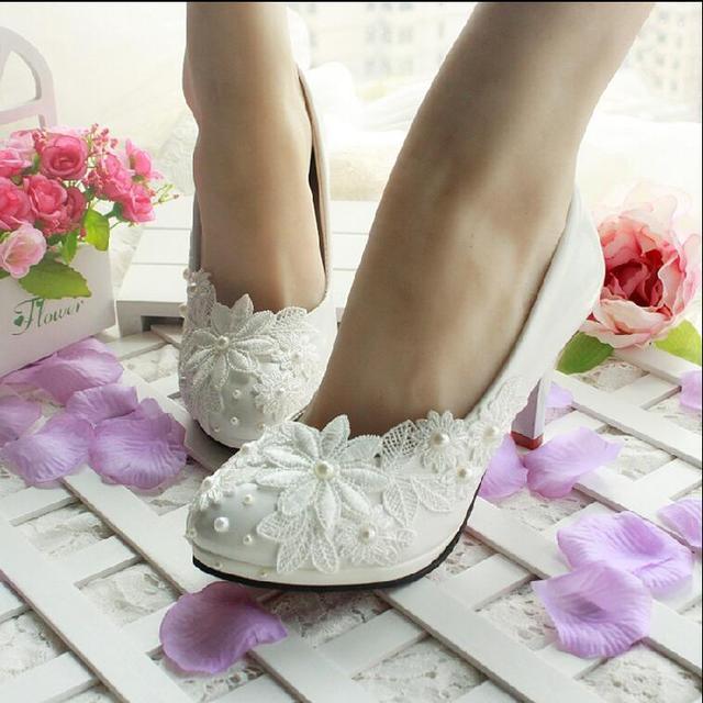 3 СМ/4.5 СМ/8.5 СМ/11 СМ 2015 весной и летом женщин свадебные туфли белые кружева жемчужина свадебные туфли невесты обувь