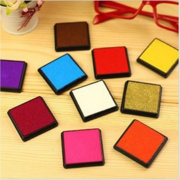 15 colors 4*4cm New Candy Color stamp Ink pad wedding Gift Inkpad for DIY stamping Funny work Labels JJ0087 new 220v photosensitive portrait flash stamp machine kit self inking stamping making seal holder film pad no ink