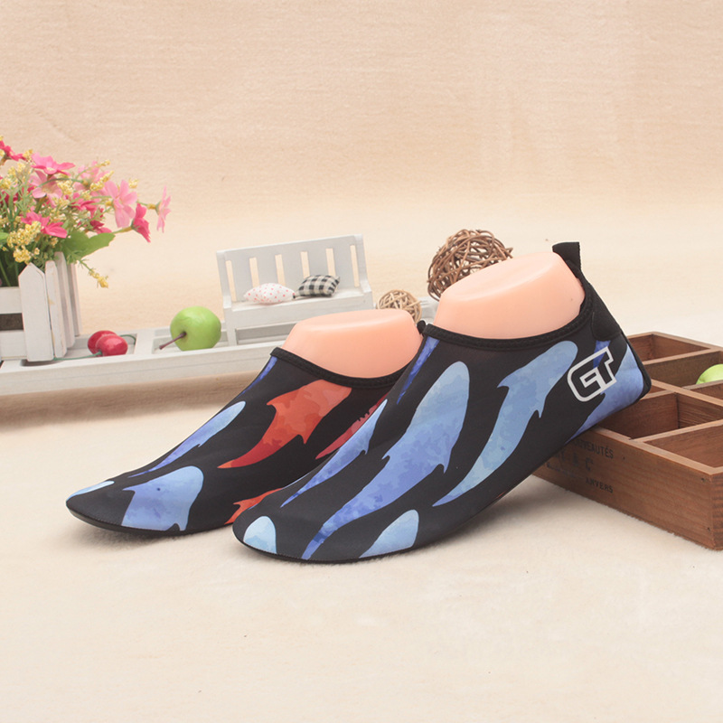Boys and girls unisex breathable sport skin shoes barefoot skin socks home shoes ultra light snorkeling diving swim beach shoes in Slippers from Mother Kids