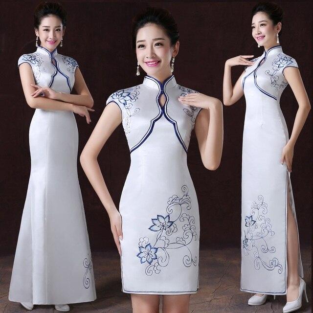 1415db4c10a0 Bianco Nuova Delle Donne Del Fiore Qipao Orientale Femminile Migliorato Cheongsam  Cinese Sposa di Raso Stampato Abiti per party matrimonio XS XXL