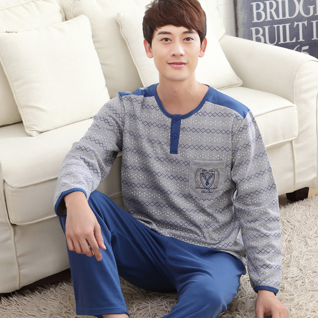 2016 Spring and Autumn new men stitching simple pajamas home service suits