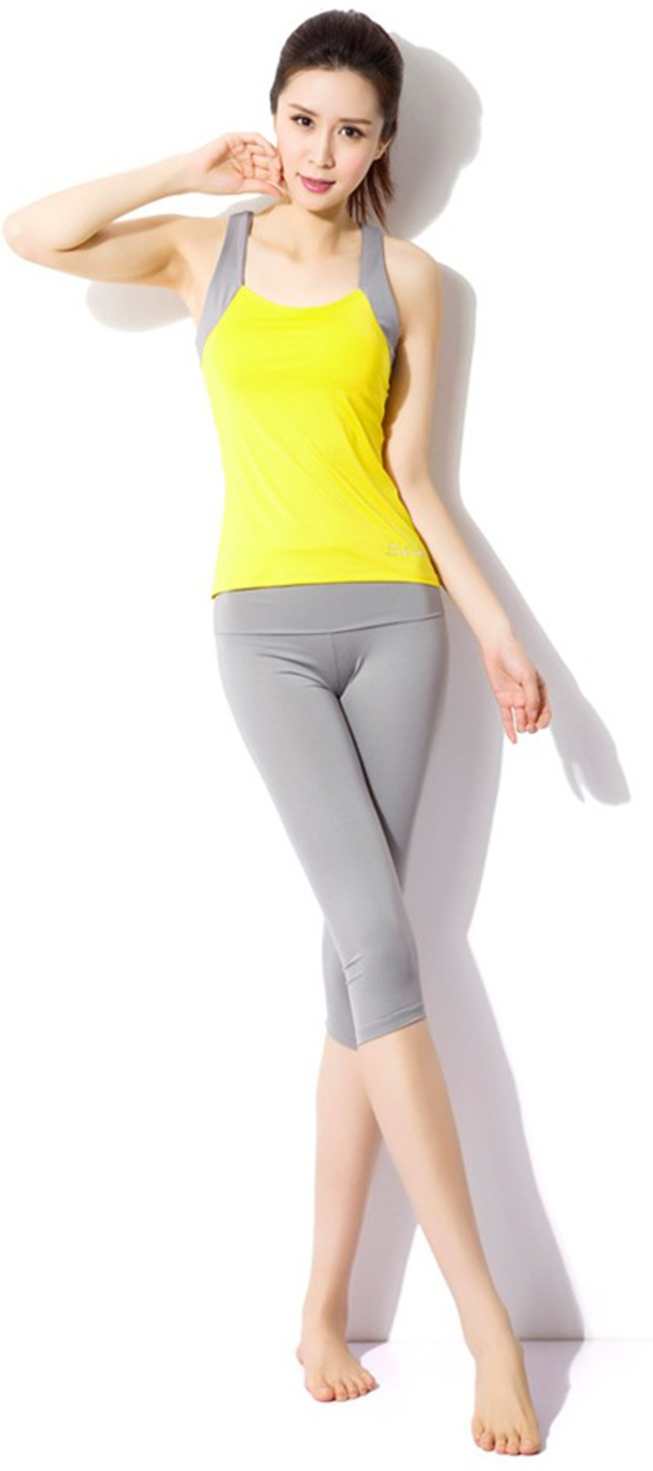 0e84ca4282a07 2015 quality yoga suit,slim cut with high elastic fabric,show thin and  comfortable.