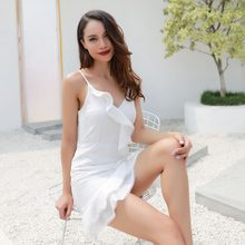 2018 new hot women Ruffled V-neck stitching seaside vacation sling dress(China)