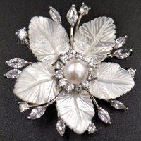 Free Shipping Women Fashion Jewelry White Mother Of Pearl Shell Bead Brooches C5440