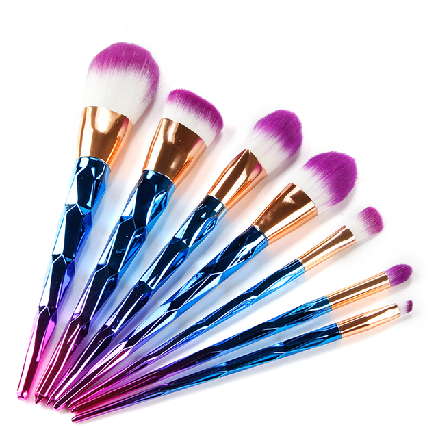 Faylisvow 7 pcs Diamante Sereia Pincéis de Maquiagem Profissional Pincéis de Maquiagem Colorida Kit Contorno Fundação Pincel Delineador
