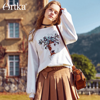 Artka Early Spring New Deer Animal Embroidery Lantern Sleeves All Match Retro Round Neck White Loose