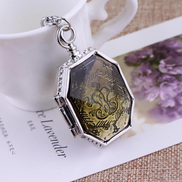 The Series of novels Harry Potter Salazar Slytherin's relics pendant box Slytherin College Treasures Voldemort's Horcruxes