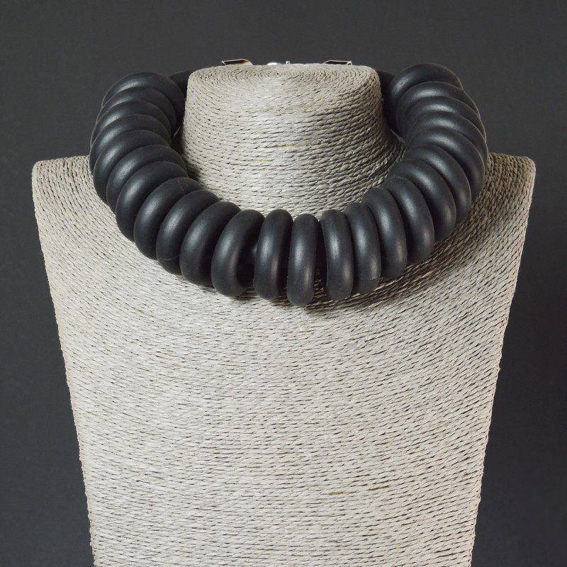 foam-rubber-ring-necklace