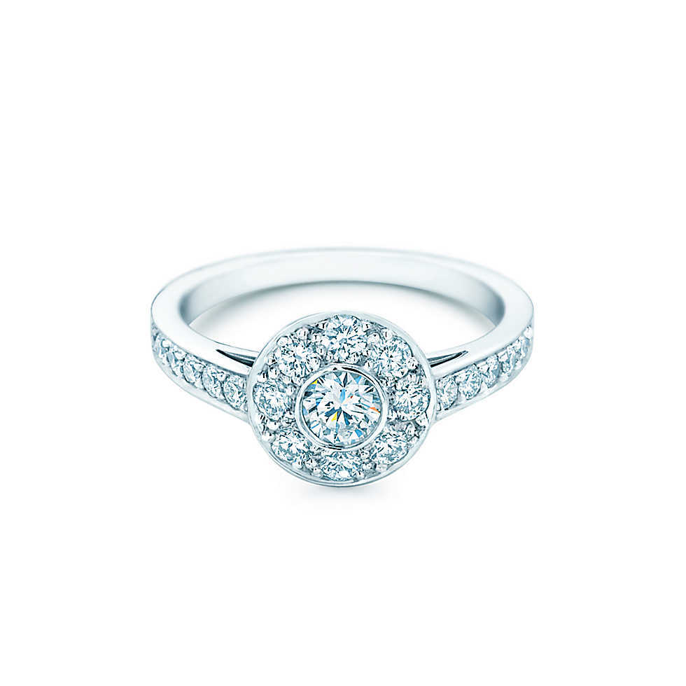 25 Ct 14karat White Gold Flower Reliable Synthetic Diamonds Ring