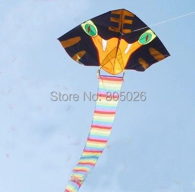 O envio gratuito de alta qualidade 30 m tecido pu cobra cobra pipa grande pipa com linha punho weifang pipas fábrica à prova d' água