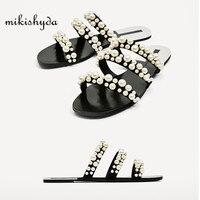 2017 zomer strand jurken schoenen parel kralen sandalen dunne riem romeinse platte vrouwen slippers toevallige slippers mode